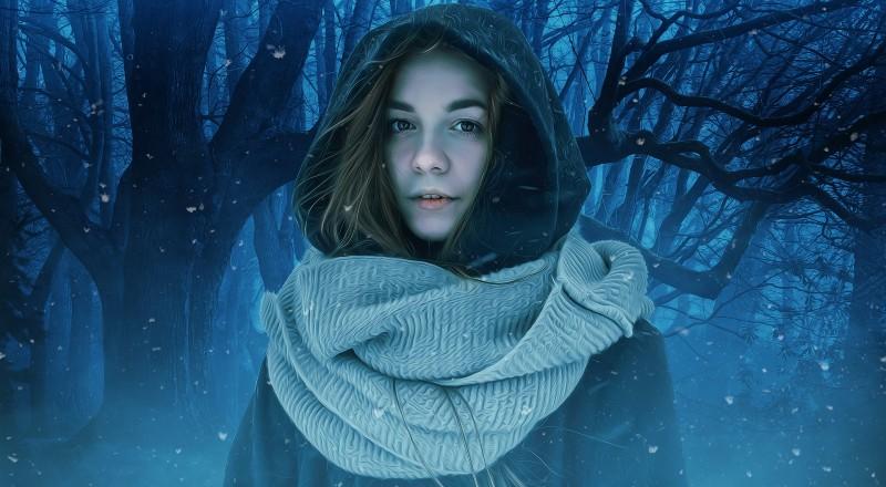 Una mujer en el bosque