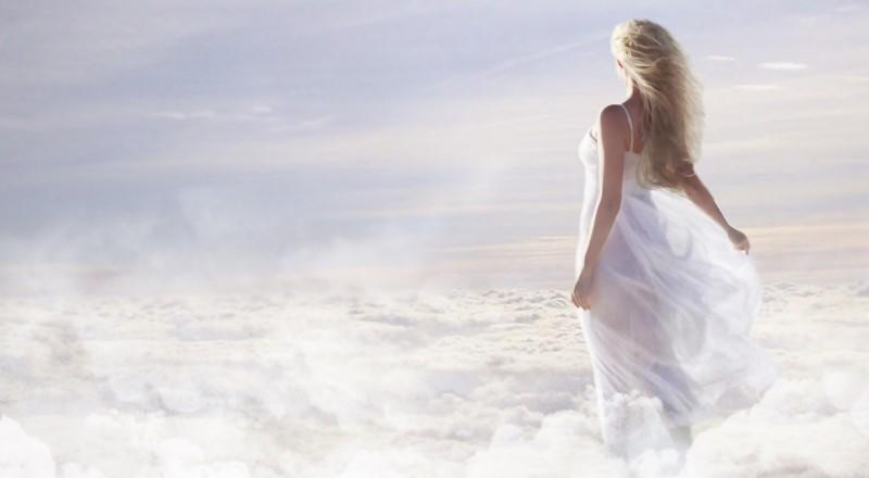 Una mujer en el cielo